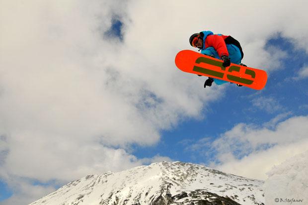 doncho_kani_snowboard