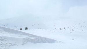Snowboarding Mount Bezbog